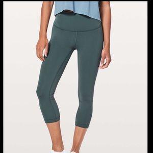 lululemon athletica Pants & Jumpsuits - High Waisted Lululemon Cropped Leggings